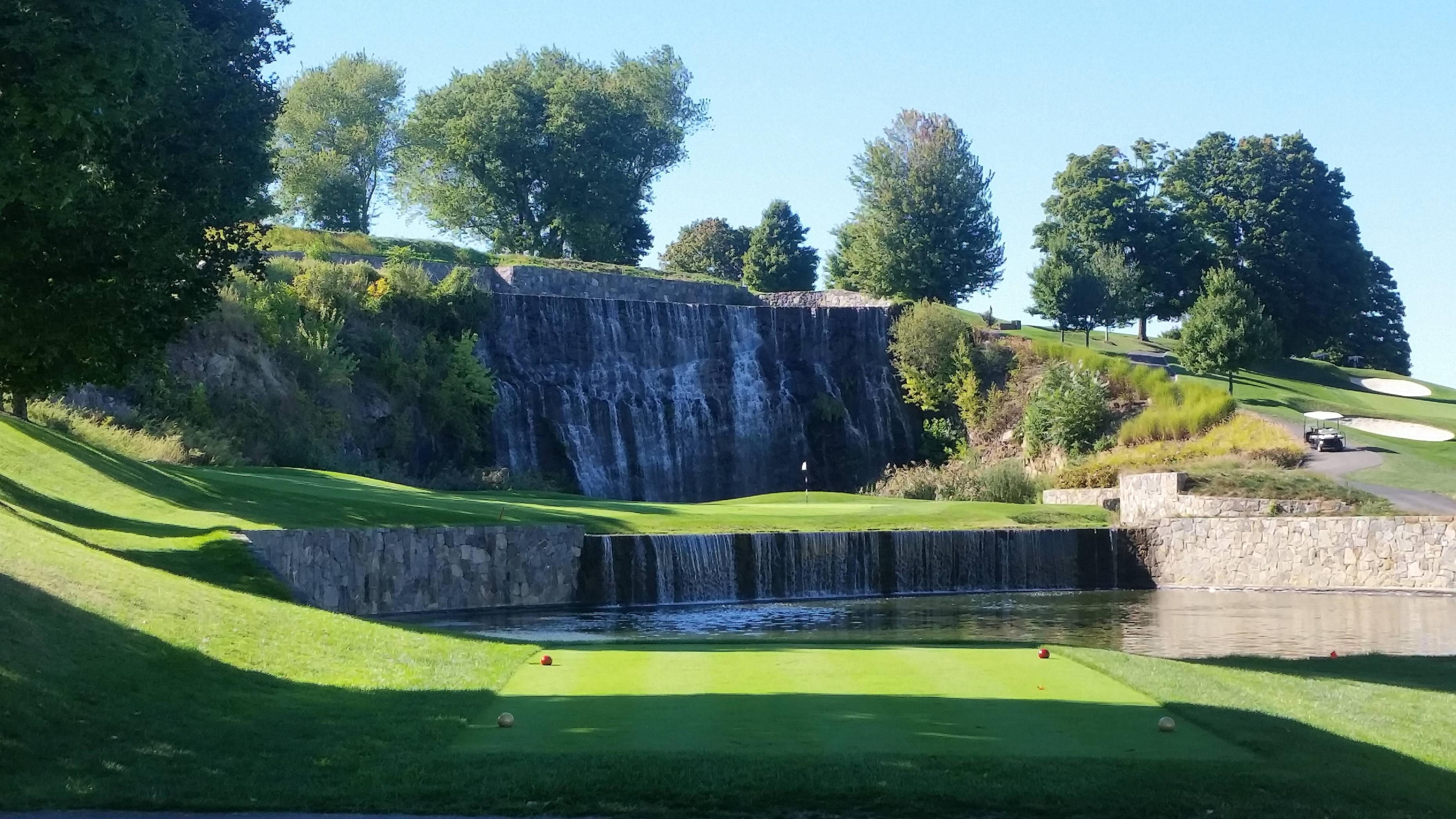 #13 at Trump National in Westchester, NY - Imgur
